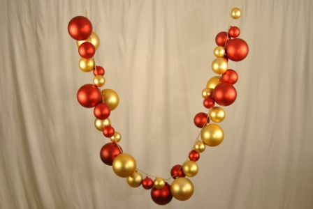 WL-BGAR-05-RE/GO - 5' Red and Gold Ball Garland