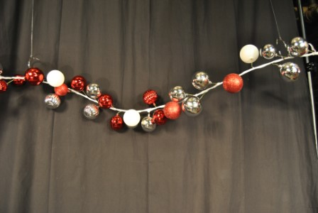 WL-BGAR-09-RWS - 9' Red, White and Silver Ball Garland