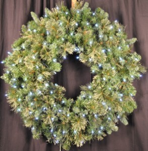4' Blended Pine Wreath Pre-Lit with Pure White LEDS