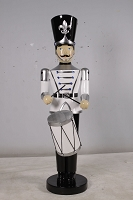 TOY SOLDIER WITH DRUM 06